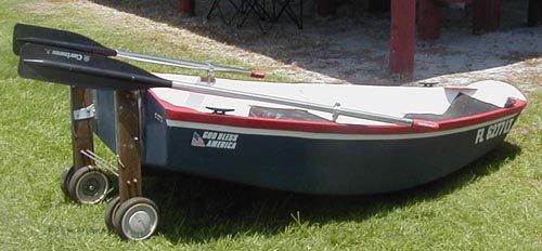 Конструкции тележек для перевозки лодки.