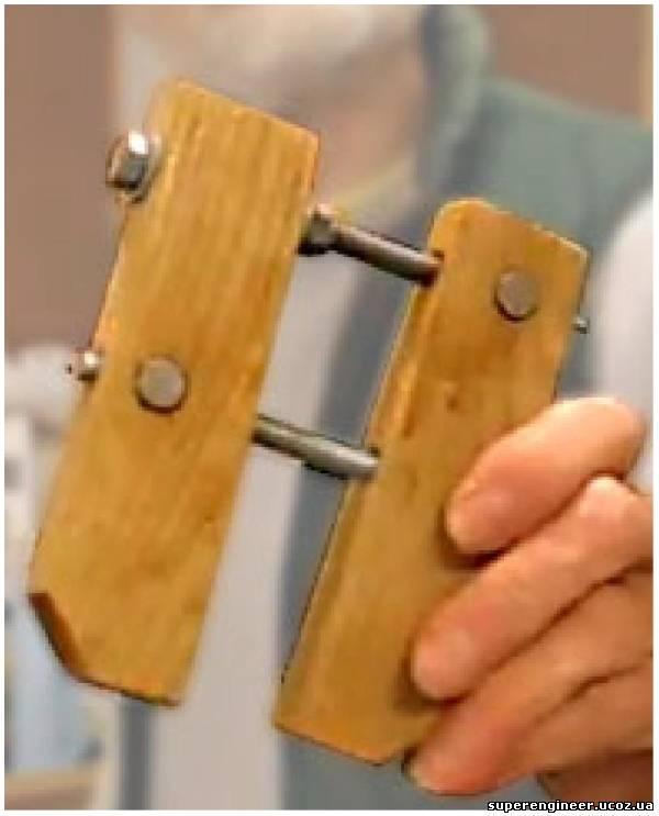 Как сделать деревянный винтовой зажим.